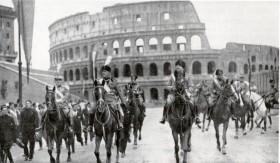 Musolinio kurta korporatyvinė fašistinė respublika Italijoje buvo paremta profesinių sąjungų ir partijos jungties principais, visai nepaisant natūraliai susiklosčiusių hierarchijų.