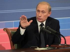 Informacinio karo ir informacinës erdvės saugumo klausimai tapo ypač aktualūs į valdžią atėjus V. Putinui.