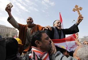 Musulmonas ir koptų krikščionis Tahriro aikštėje