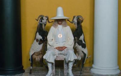 """Kadras iš Alejandro Jodorowsky filmo """"Šventasis kalnas"""", 1973 m."""